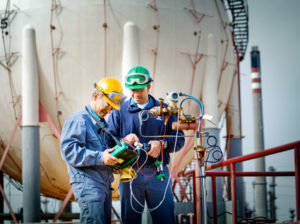 Engineers using Beamex calibrators. Why calibrate? Beamex blog post
