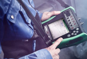 Beamex MC6 advanced process calibrator in hand